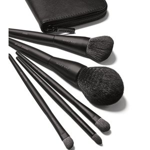 NIB Mary Kay Essential Brush Collection